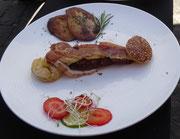 Hauptspeise: Miniburger drei Fleischvarianten und Grillkäse