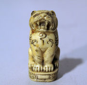 4183/ Löwe ~1900, China, Knochen, H 4cm, EUR 68,-
