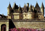 JUMILHAC- LE - GRAND - Château du XIIIè et XVIIè siècle