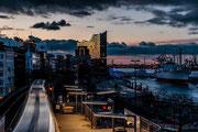 Stadtbewegung an den Landungsbrücken