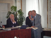 """Lino Segantini, redatore capo de """"Polesani nel mondo"""",  che lede ´l so raconto. Beo!"""