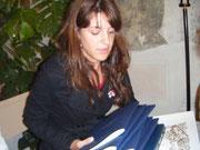 Cindy ga pena ritirá ´l premio del so compaesán Julio Posenato che ga vinto co VIN DE RAGNI !