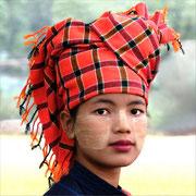 Jeune birmane Photo: Ph Leblond