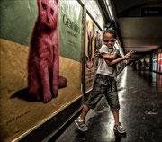 Timy dans le métro  Photo:  M Turpeau