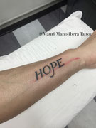 lettering tattoo by Mauri Manolibera Tattoo - freehandtattoo / Mauri's Tattoo&Gallery, Borgomanero (Italia)
