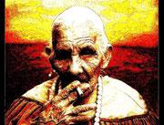 Alte Indianerin mit Zigarette