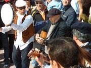 Bartoluzzo si esibisce durante le riprese del programma