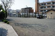 駐車場(線路寄りに駐車をお願いします。)