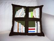 dunkelgrünes Bücherkissen, 40x40