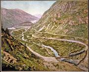 コロラド州クリアクリークの〈鉄の道〉。山地や渓谷の上を上がる高低差195mの線路は、1884年に完成した