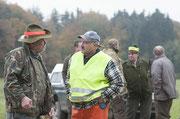 Gedankenaustausch zwischen Jäger und Treiber