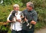 ... wir sind glücklich, Wolfgang hat V1 und B.O.B. & Zwiebelchen ist VDH Jugendsieger 2009 ...