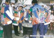 【パネル番号7】そうめんの炊き出しをする島原・寄手見遊会(神戸)