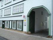 Eingang zur Schwabhäuser Straße 20