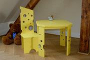 Alles Käse - Tanne bemalt - Stuhl -80cm- 195,-€ / Tisch 220,-€