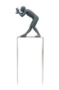 A. CAÑERO. Fotógrafo II. 2008. Ed. 6. Bronze. 165 x 55 x 33 cm.