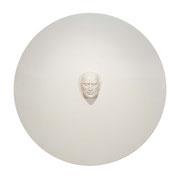 A. CAÑERO. Silencio. 2009. Ed. 6. Resina. 200 cm diámetro x 21 cm.