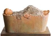 A. CAÑERO. Baño de oro. 2006. Ed. 25. Bronce. 29 x 52 x 24 cm.