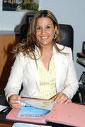 <h3>Angela Di Frisco</h3><ul><li>Mitgründerin</li><li>Frühere Geschäftsführerin von Angela's Gross & Einzelhandel     </li>      <li>Hat die Gesellenprüfung im Gebäudereinigerhandwerk mit Erfolg bestanden     </li> </ul>