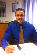<h3>Francesco Di Frisco</h3><ul><li>stellvertretender Geschäftsführer im Bereich der Gebäudereinigung</li><li>Hat die Meisterprüfung im Gebäude-reinigerhandwerk mit Erfolg bestanden</li><li>Besucht kontinuierlich Seminare und Fortbildungen</li></ul>