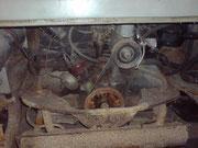 Der Motor is fest, genau wie das Getriebe. Is wohl mal die Schaltklaue rausgefetzt, lässt sich nix mehr schalten.