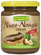 Zart schmelzende Nuss-Nougat-Creme mit 33% frisch gerösteten, aromatischen Haselnüssen. Verfeinert mit echter Bourbon Vanille. Die Milchbestandteile sind in dieser veganen Variante durch Süßlupinenmehl ersetzt.