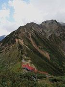 白岳山頂から五竜岳を望む