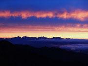 冷池山荘から見る朝焼け