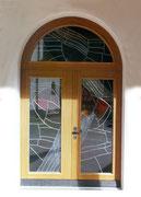 Türe in Eiche massiv mit spez. Glaseinsatz