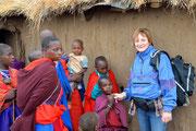 Mia madre con i Masai