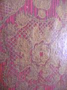 Ein Stück Tapete aus dem Schlafzimmer