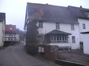 Das Haus sah alt und unscheinbar aus - Dezember 2011