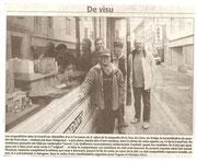 """- Article de mai 2010 à Quillan : """"La maquette du pont vieux en vitrine"""""""