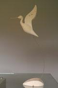 oiseau en bois sculpté: Chevalier aboyeur à l'envol