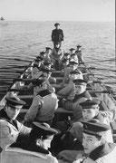 """la seule photo posée avec fierté par le"""" capitaine d'armes"""""""