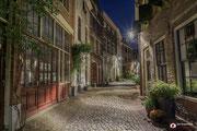 Nachtfotografie: De walstraat in de prachtige stad Deventer!