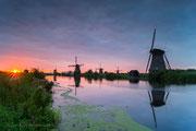 Foto van de maand: september 2014     Red-Glow - Kinderdijk