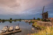 Avondschemering bij de stadswallen van Heusden-Vesting