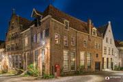 Nachtfotografie: Hoekhuis in de prachtige stad Deventer!