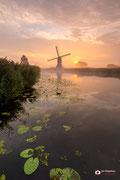 Landschapsfotografie: Oudendijkse molen nabij Hoornaar (Zuid-Holland, Nederland) in rouwstand