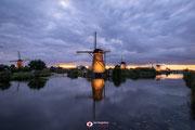Nachtfotografie: 'De rug toegekeerd' in Kinderdijk (zh)