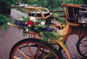 Blumenschmuck am Wagen für Festumzug