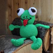 Frosch für Lea - Ostern 2015 - Anleitung von Sara Tilly aus der Gruppe Amigurumistübchen - ein klein wenig verändert