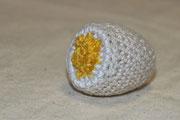 Geköpftes Ei - Mein Ei ist von unten nach oben in einem gehäkelt - D -Eigener Entwurf