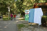NK_Stadtpark_2013-09-07_055 - Verhüllte Infotafel...
