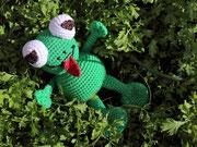 Frosch für Lea - Ostern 2015 - Anleitung von Sara Tilly aus der Gruppe Amigurumistübchen - ausruhen