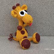 Giraffe für Emily - Ostern 2015 - Anleitung von Sara Tilly aus der Gruppe Amigurumistübchen - ein klein wenig verändert