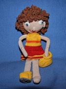 Puppe Lisa - April 2015 - Für die gelockten Haare ist sie ganz lange bei der Friseurin gesessen. Sie wollte, dass Ihre Frisur auch stürmischen Kinderhänden standhält.