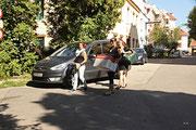 NK_Stadtpark_2013-09-07_060 - Auch diese jungen Damen helfen fleißig mit.