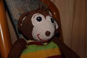Kuschelaffe für Emily. - Dezember 2015 - Der Affe möchte gerne mit Emily im Bett schlafen.